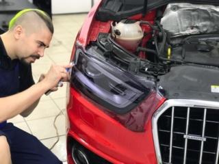 Audi Q3 - защита фар тонирующим полиуретаном «STEK» + тонировка стёкол
